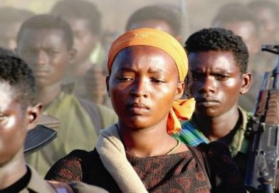 حركة إثيوبية معارضة تتخذ قراراً بالعودة إلى بلادها …إلقاء القبض على 40 مسلحا بمطار مقلي  تحملهم طائرة من جهة مجهولة .