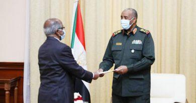 عثمان صالح ويماني قبرآب في الخرطوم … ماذا تفعل رسائل أفورقي الكثيفة في السودان